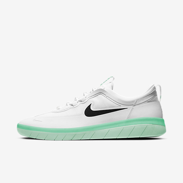 SB Nyjah Free 2 White Black Green Glow