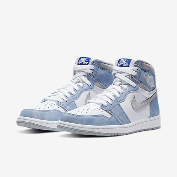 "Air Jordan 1 High ""Hyper Royal"" [4]"