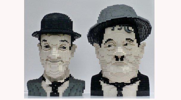 Come and See - Actie met  LEGO koppen van komieken