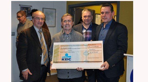 Prosa schenkt 2 000 euro aan Kloen