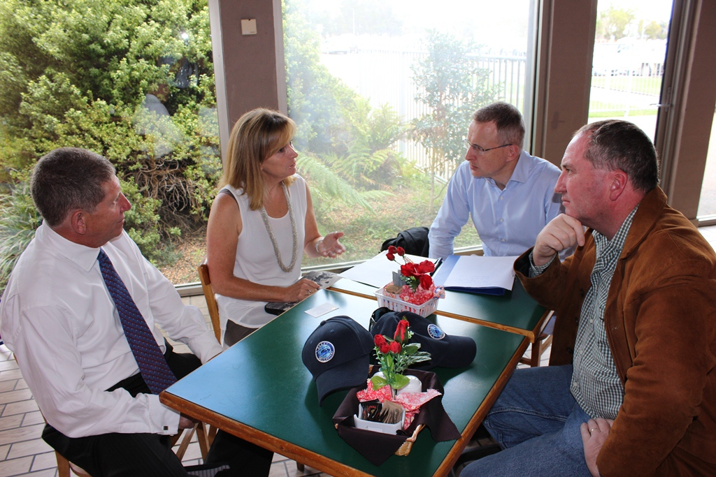Walcha Shire Council General Manager Jack O'Hara, Walcha Council Mayor Cr Janelle Archdale chat with Parliamentary Secretary for Communications the Hon Paul Fletcher, MP and the Member for New England, the Hon Barnaby Joyce MP.