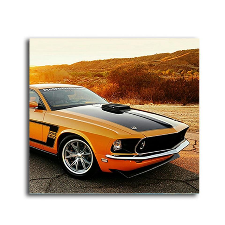 لوحة بتصميم سيارة كلاسيك برتقالي