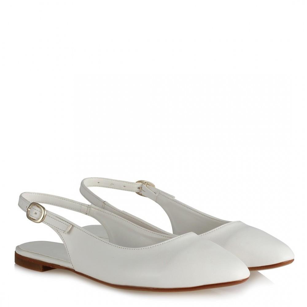 حذاء فلات أبيض نسائي