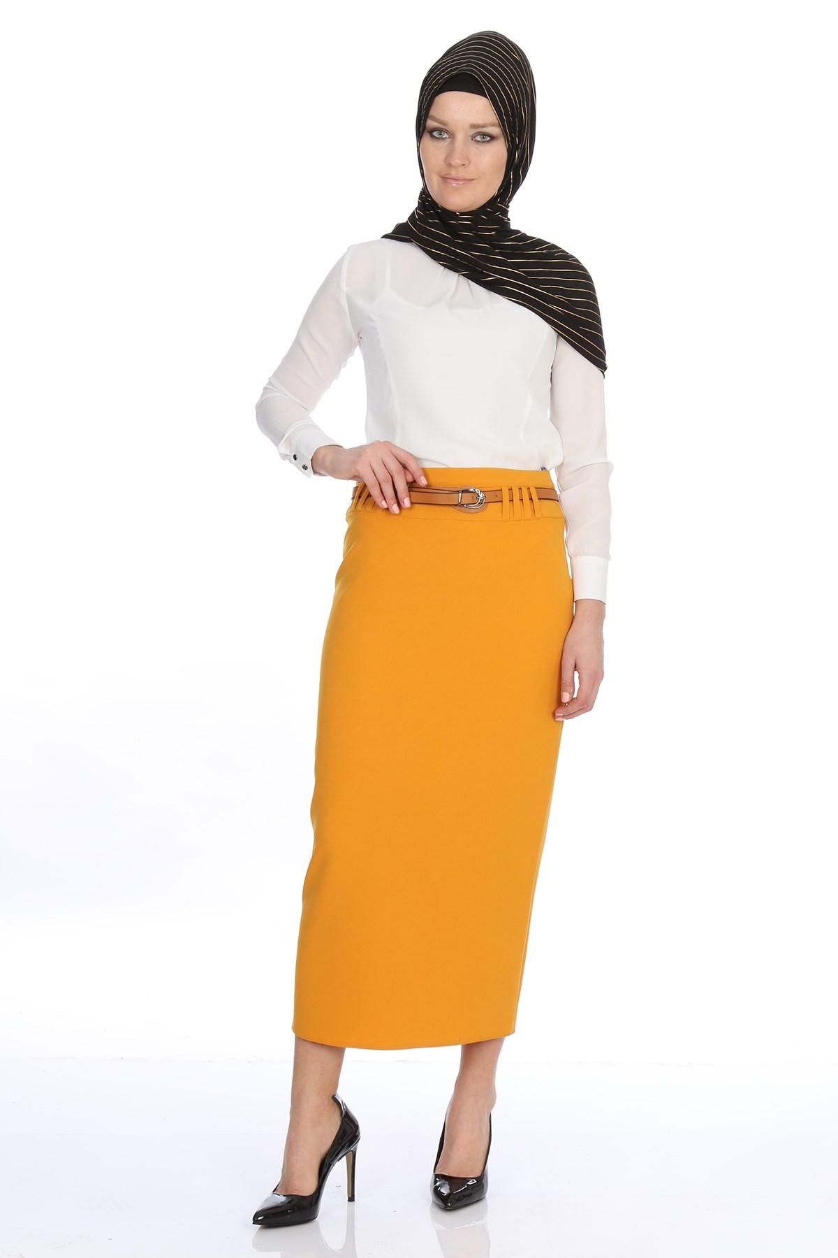 Women's Belted Midi Skirt