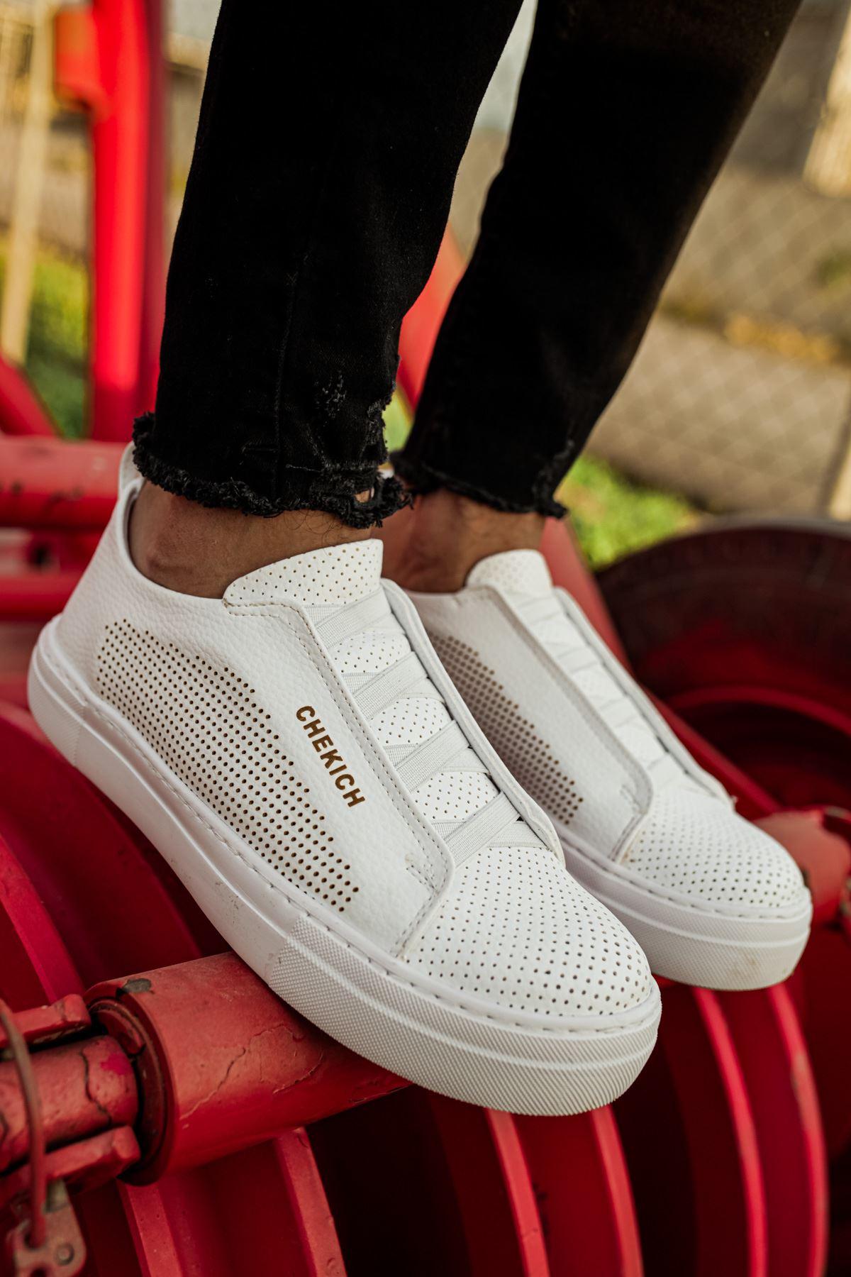 حذاء كاجوال أبيض رجالي