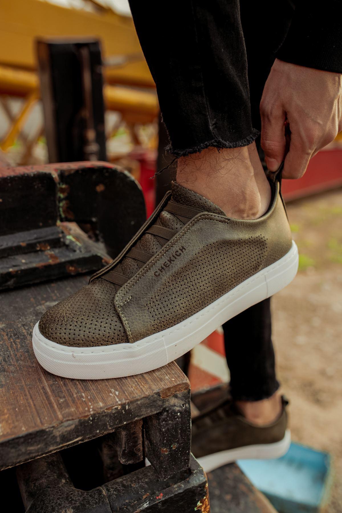 حذاء كاكي برباط رجالي