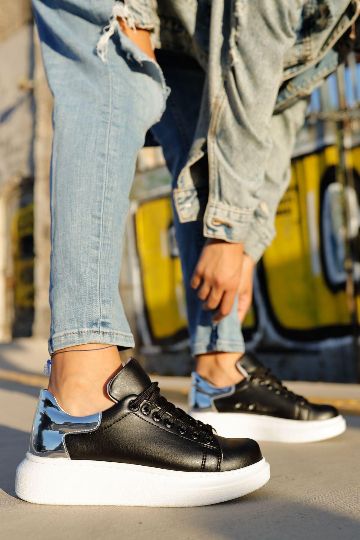 حذاء رياضة فضي أسود برباط نسائي