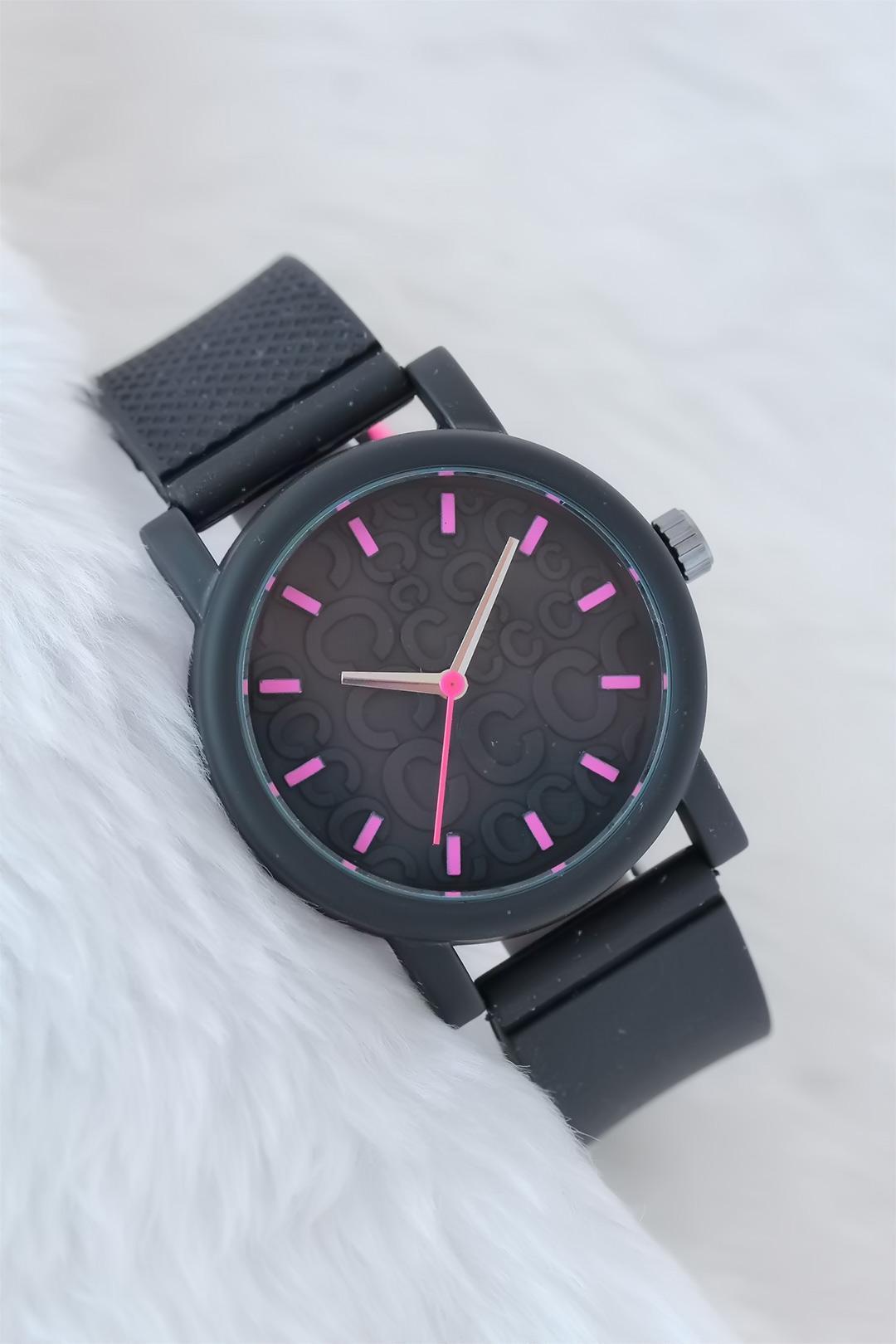 ساعة سيليكون سوداء مزخرفة باللون الوردي نسائية
