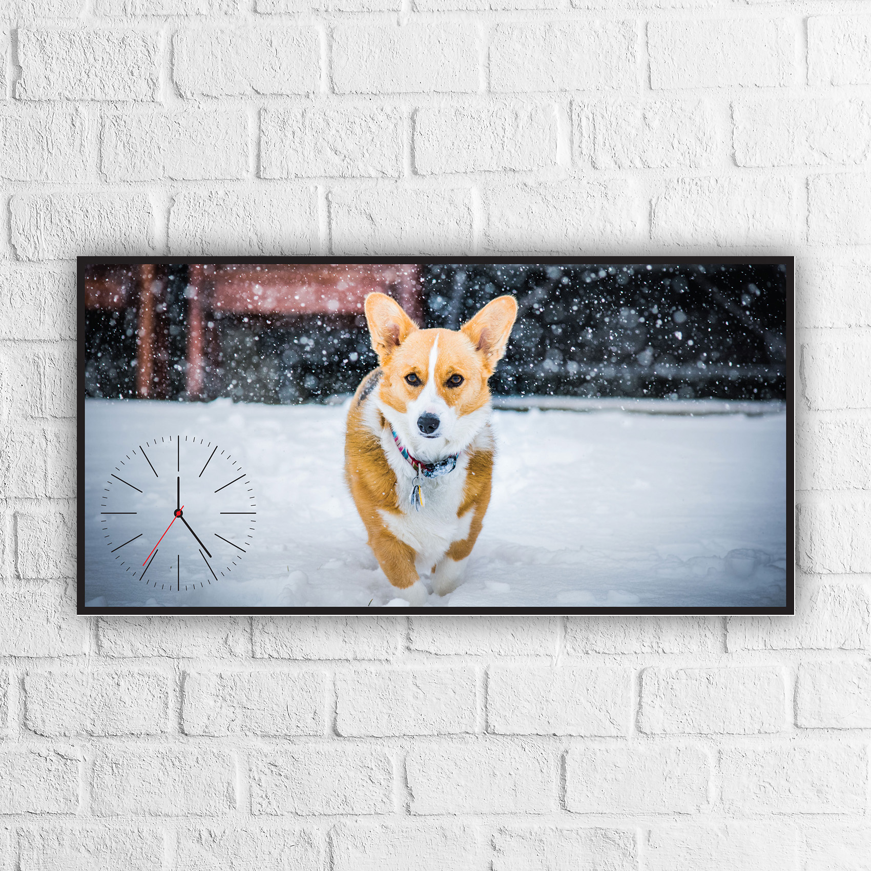 ساعة حائط بتصميم كلب مزخرفة