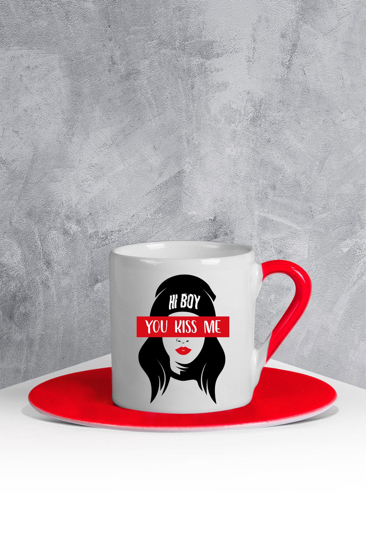 كوب قهوة أحمر أبيض بطبعة نسائي