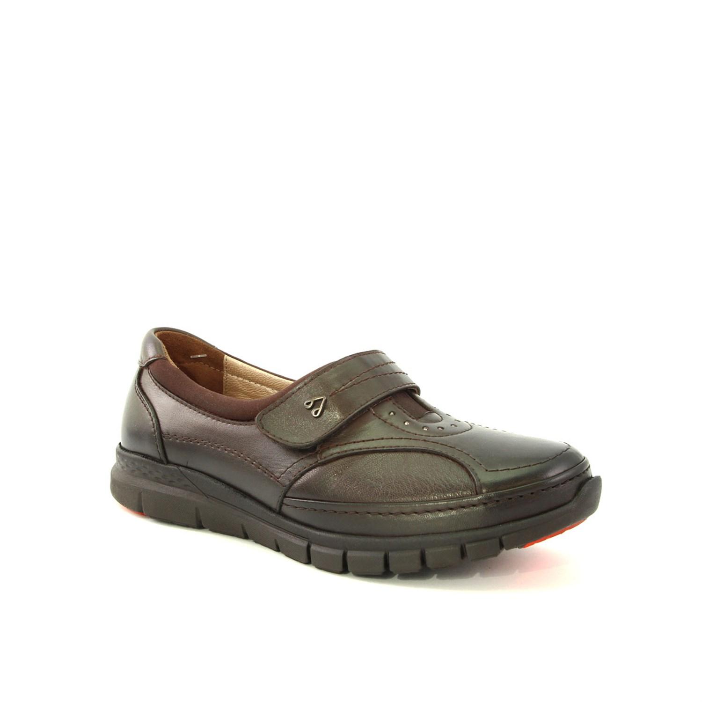 حذاء جلد بني نسائي