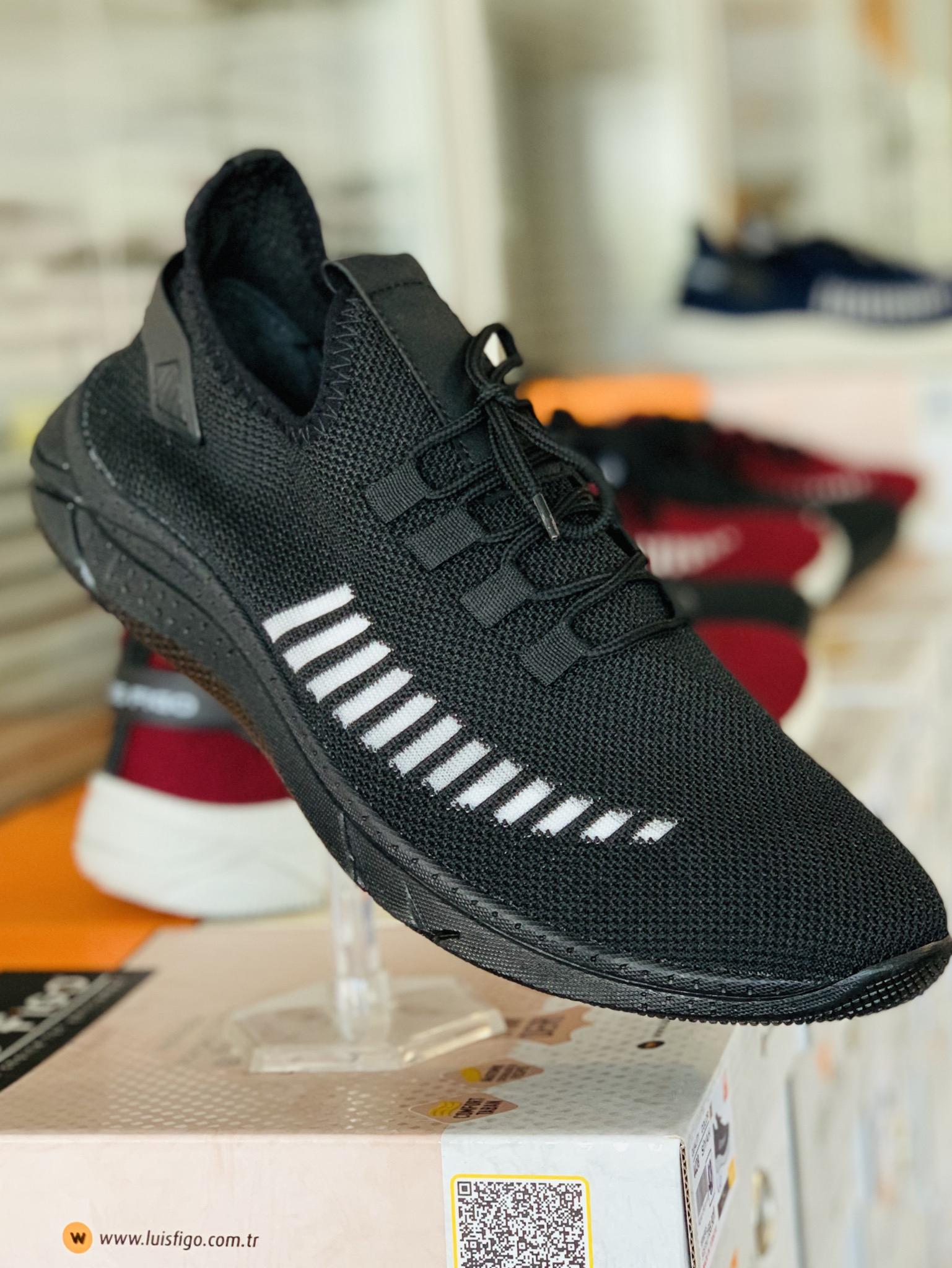 Big Size Black Sport Shoes