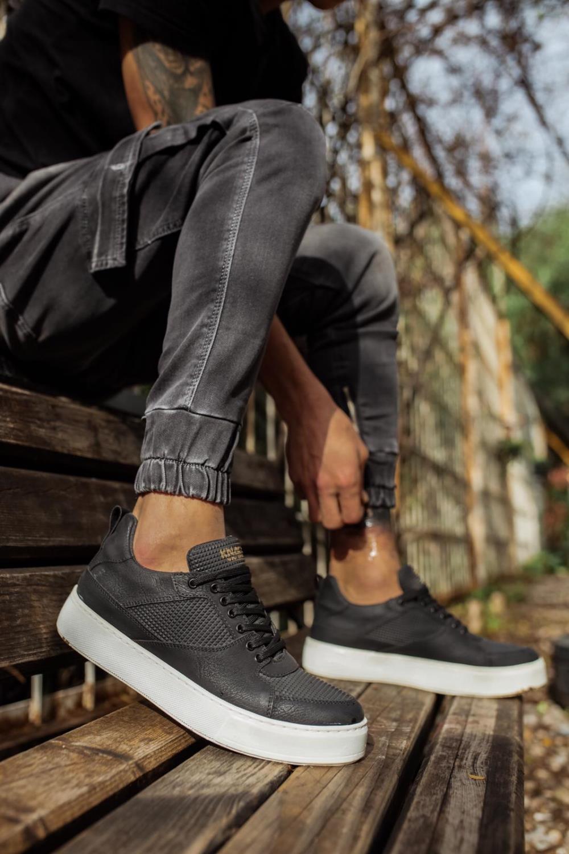 حذاء كاجوال أسود بنعل مرتفع رجالي
