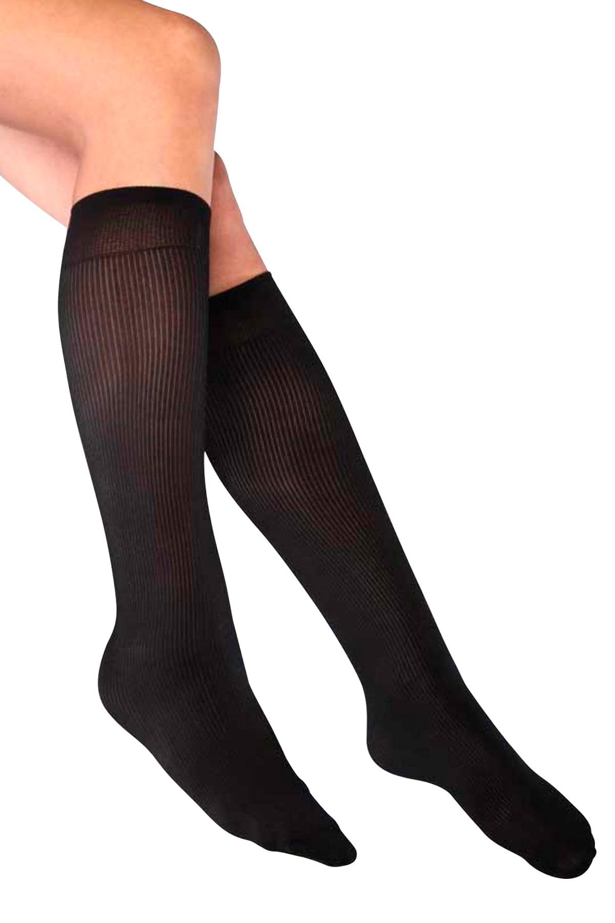 جوارب تحت الركبة مضلعة سوداء نسائية