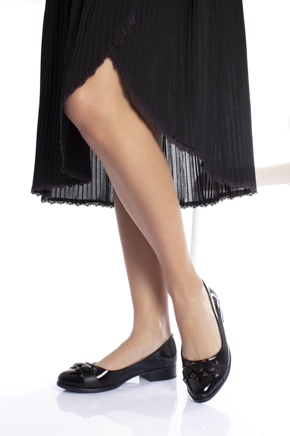 حذاء فلات جلد لامع أسود نسائي