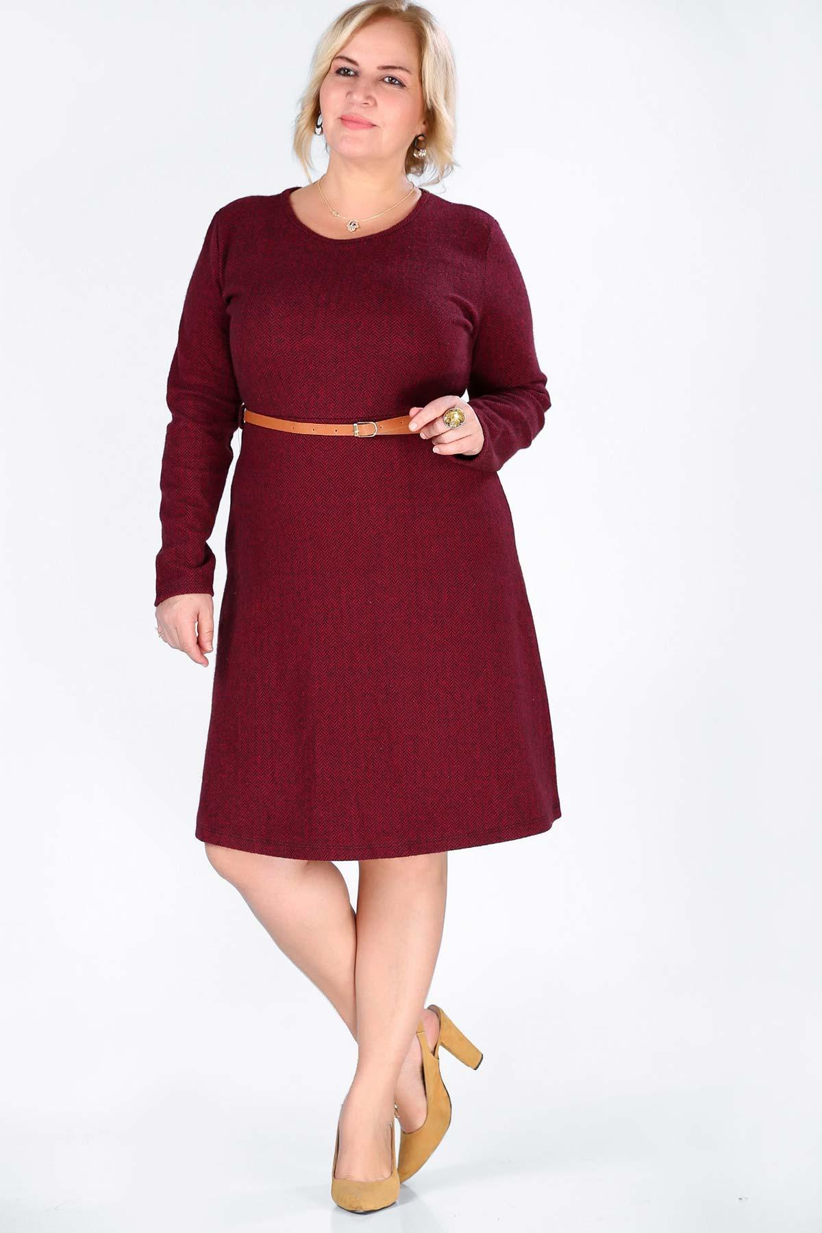 فستان عنابي بحزام وسط مقاس كبير