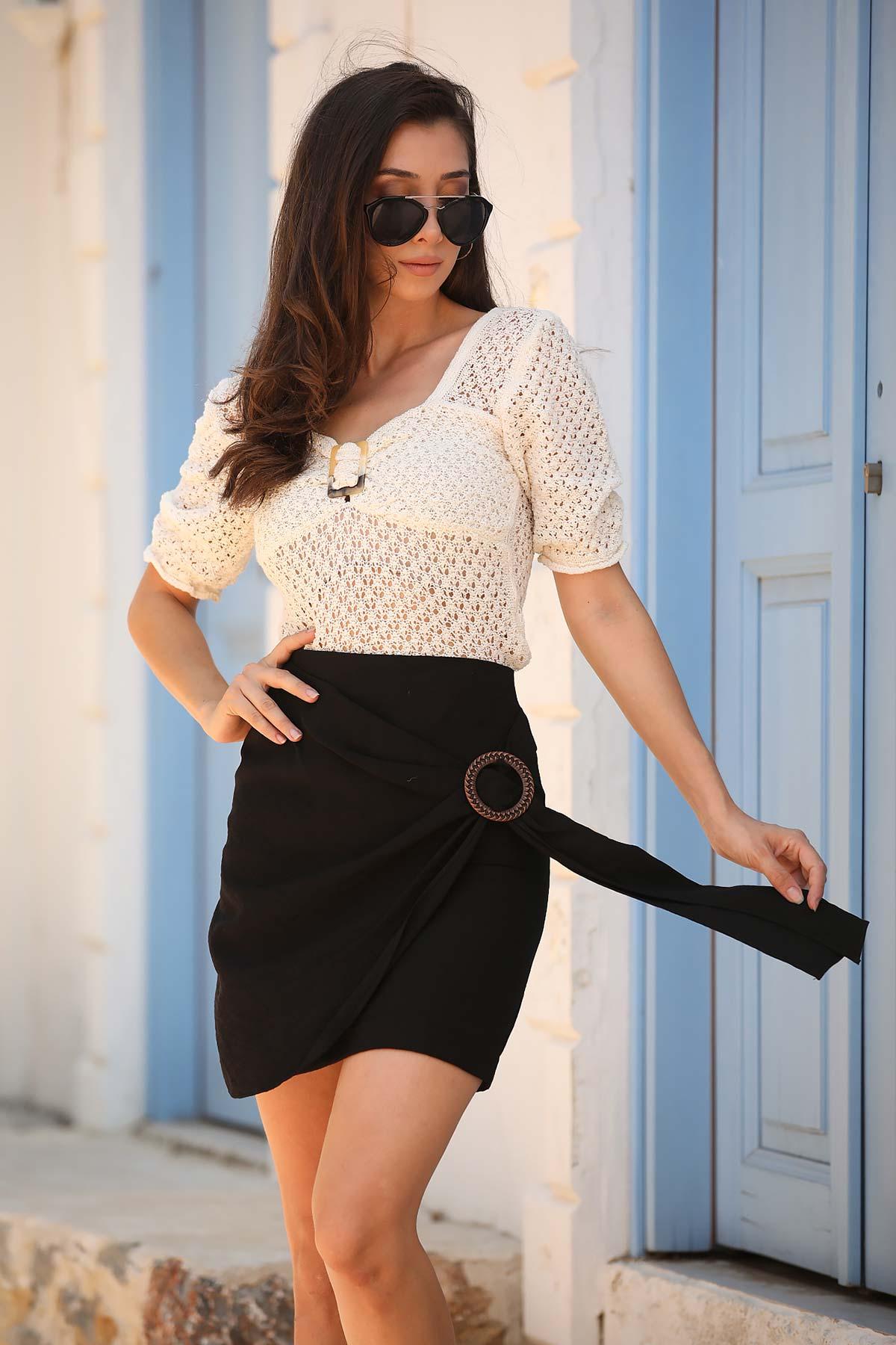 تنورة قصيرة سوداء مفصلة بقفل نسائية