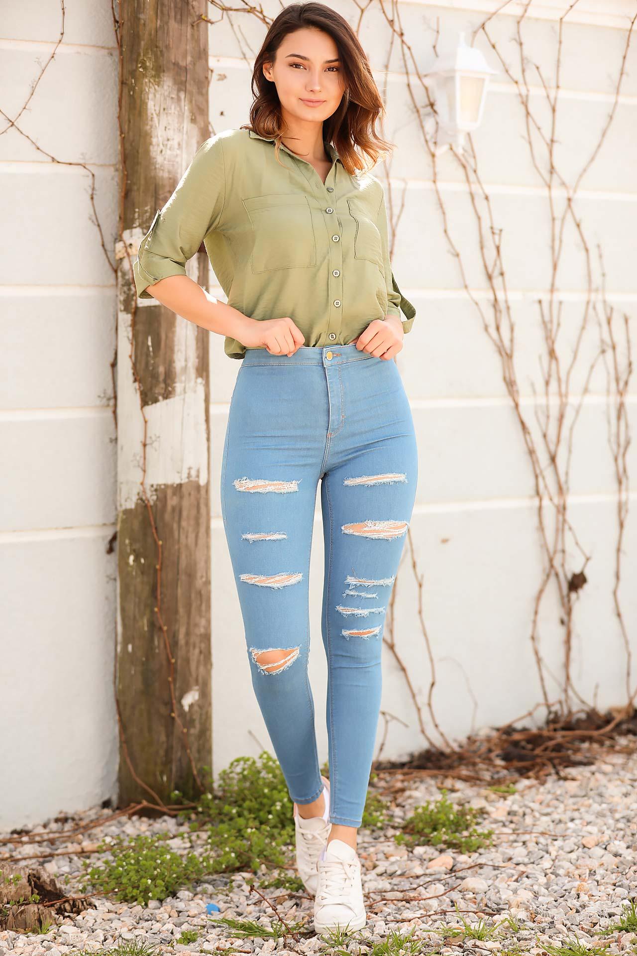 Women's Ripped Blue Jeans