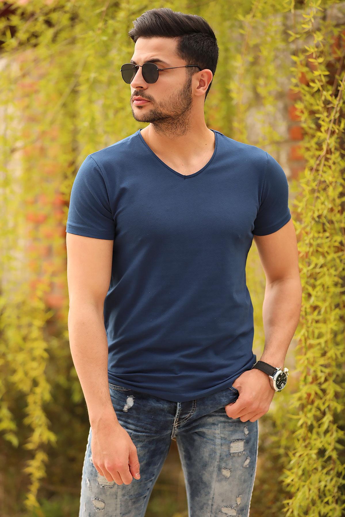 Men's Basic Navy Blue T-shirt