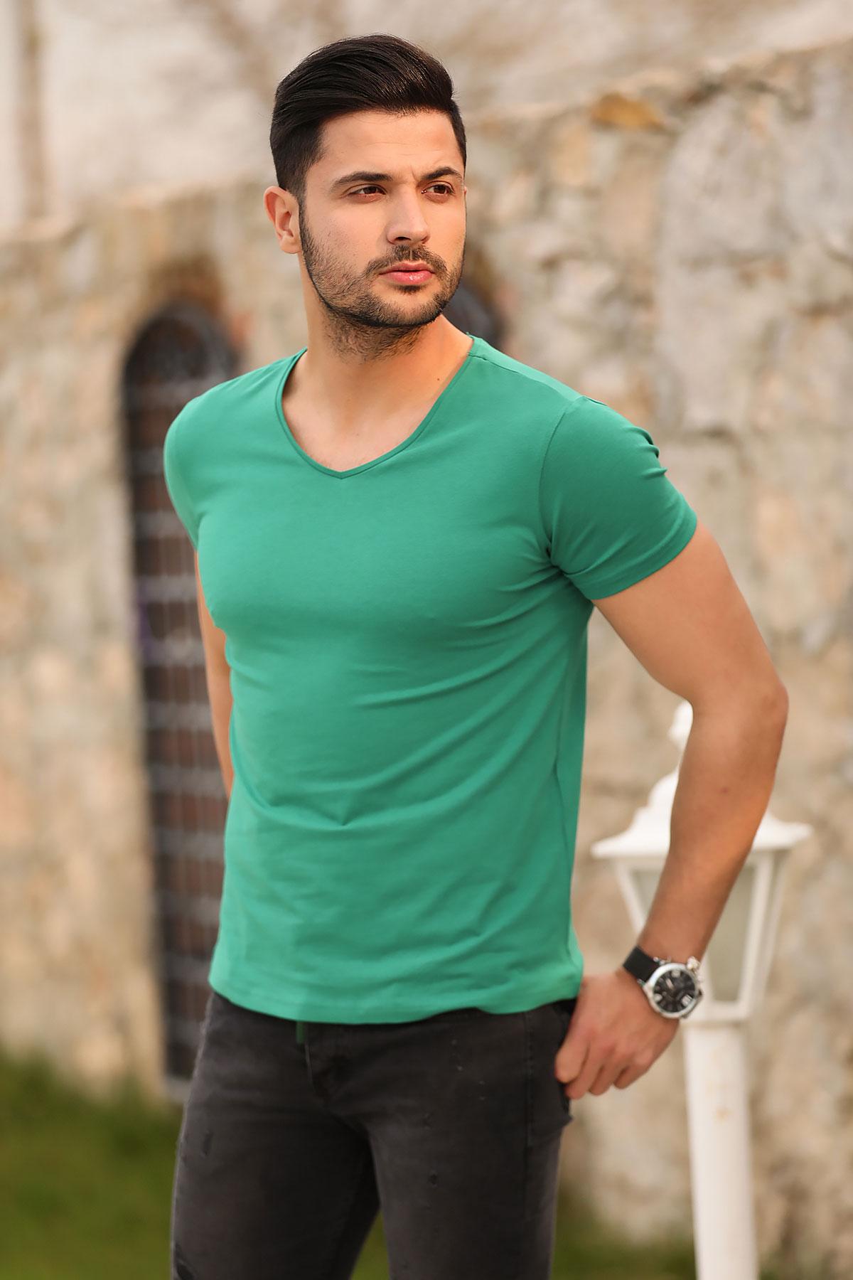 Men's Green Basic T-shirt
