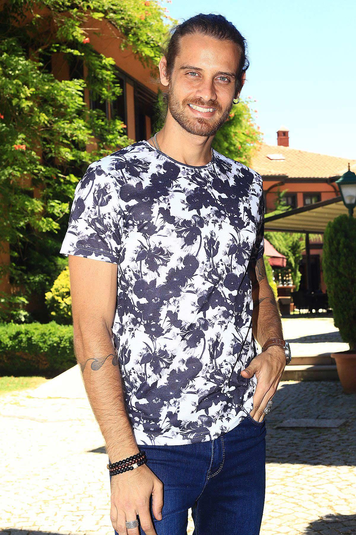 Men's Patterned White T-shirt