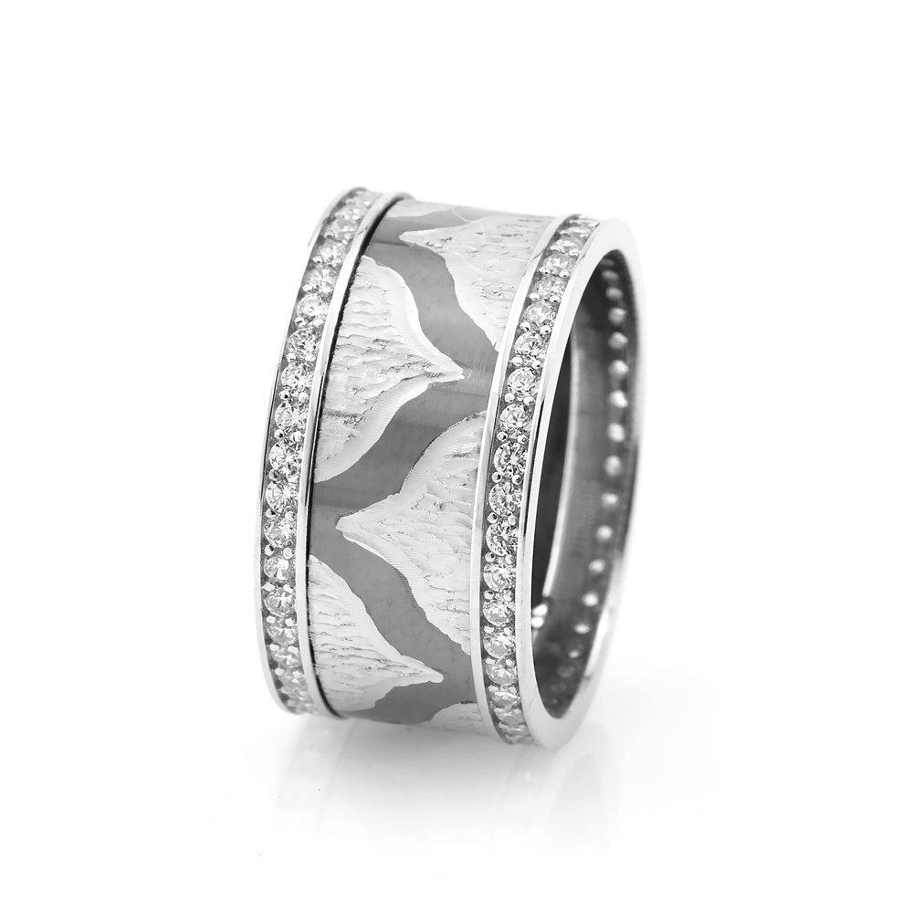 Women's Modern & Elegant Design Zircon Gemmed 925 Carat Silver Wedding Ring