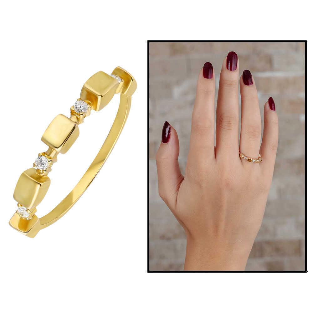خاتم فضة عيار 925 مطلي ذهبي بتصميم مكعب بفصوص زركون نسائي