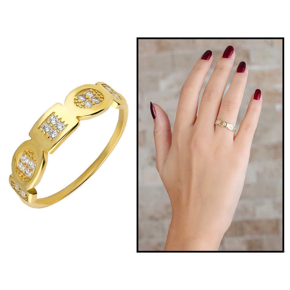 خاتم فضة مطلي ذهب بتصميم أشكال هندسية بفصوص زركون نسائي- 925 عيار