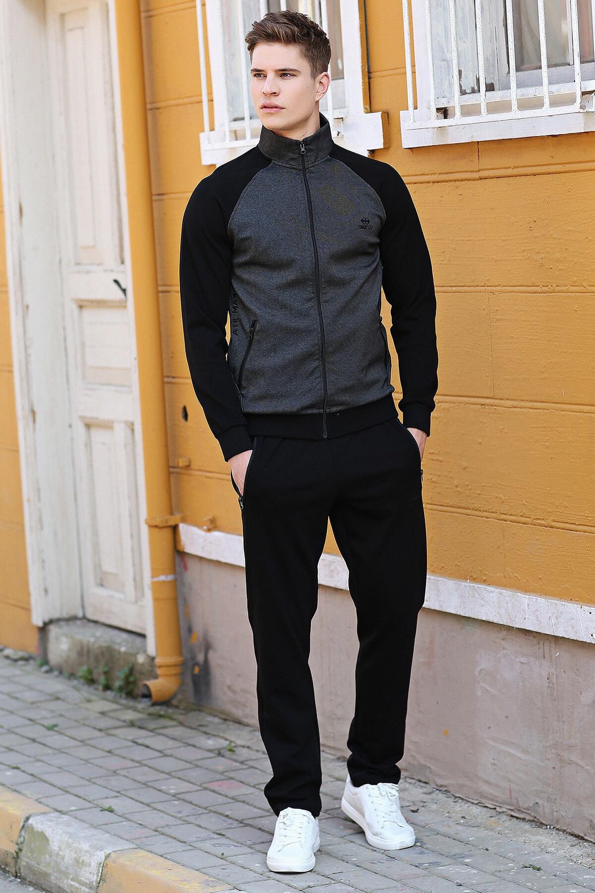 Men's Zipped Black Sweat Suit