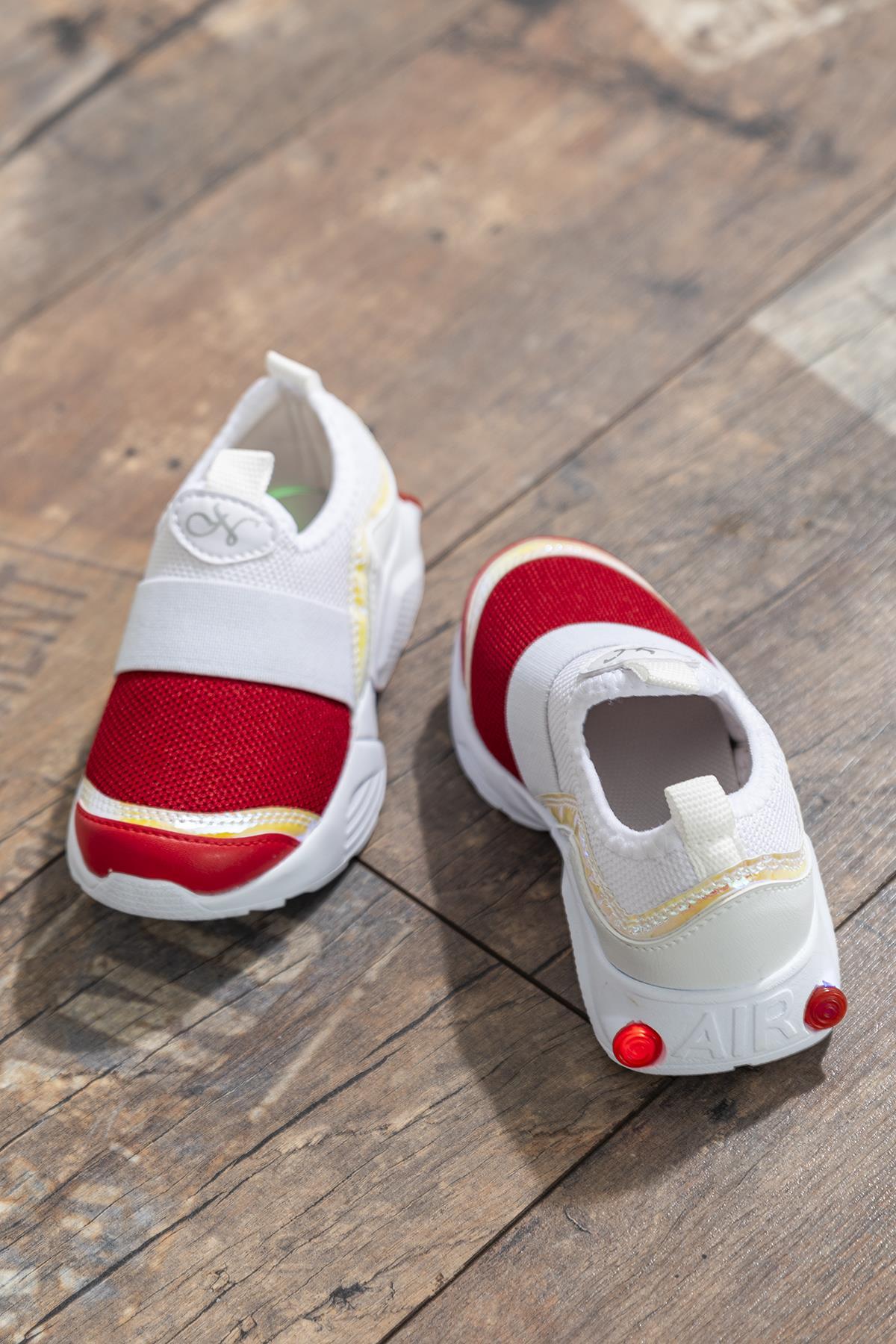 حذاء رياضة أبيض أحمر أطفالي
