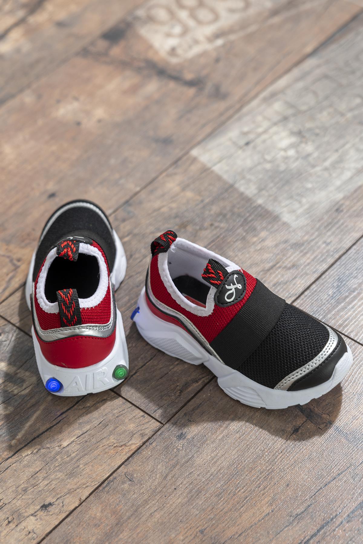 حذاء رياضة أسود أحمر أطفالي
