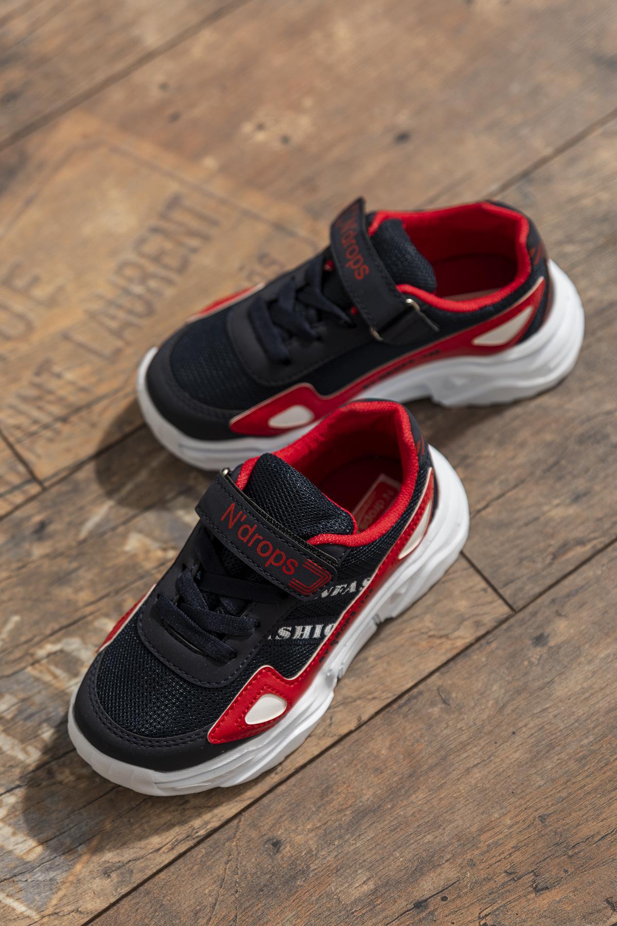 حذاء رياضة أحمر كحلي أطفالي