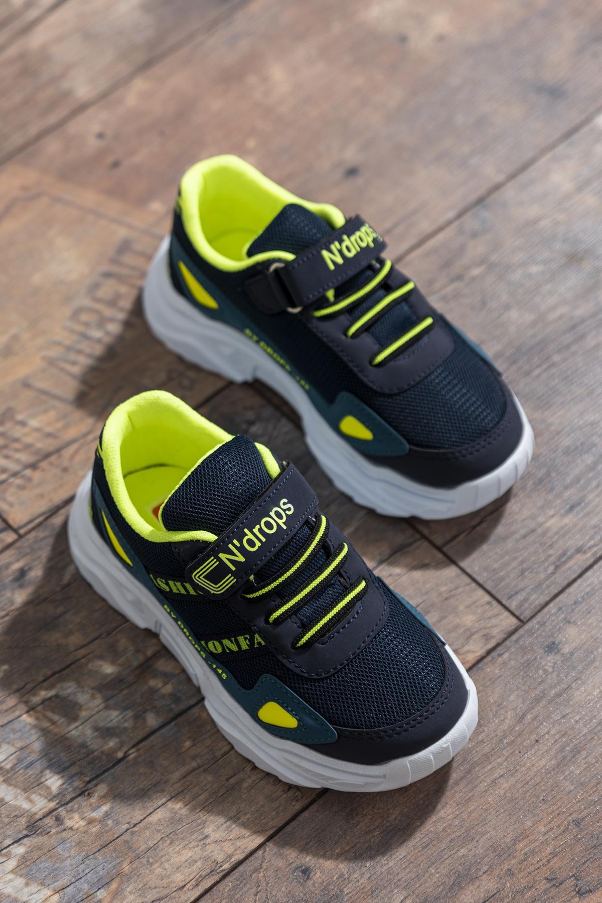 حذاء رياضة بترولي كحلي أطفالي
