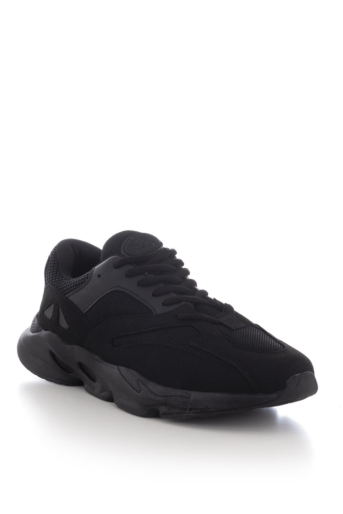 حذاء رياضي أسود للجنسين