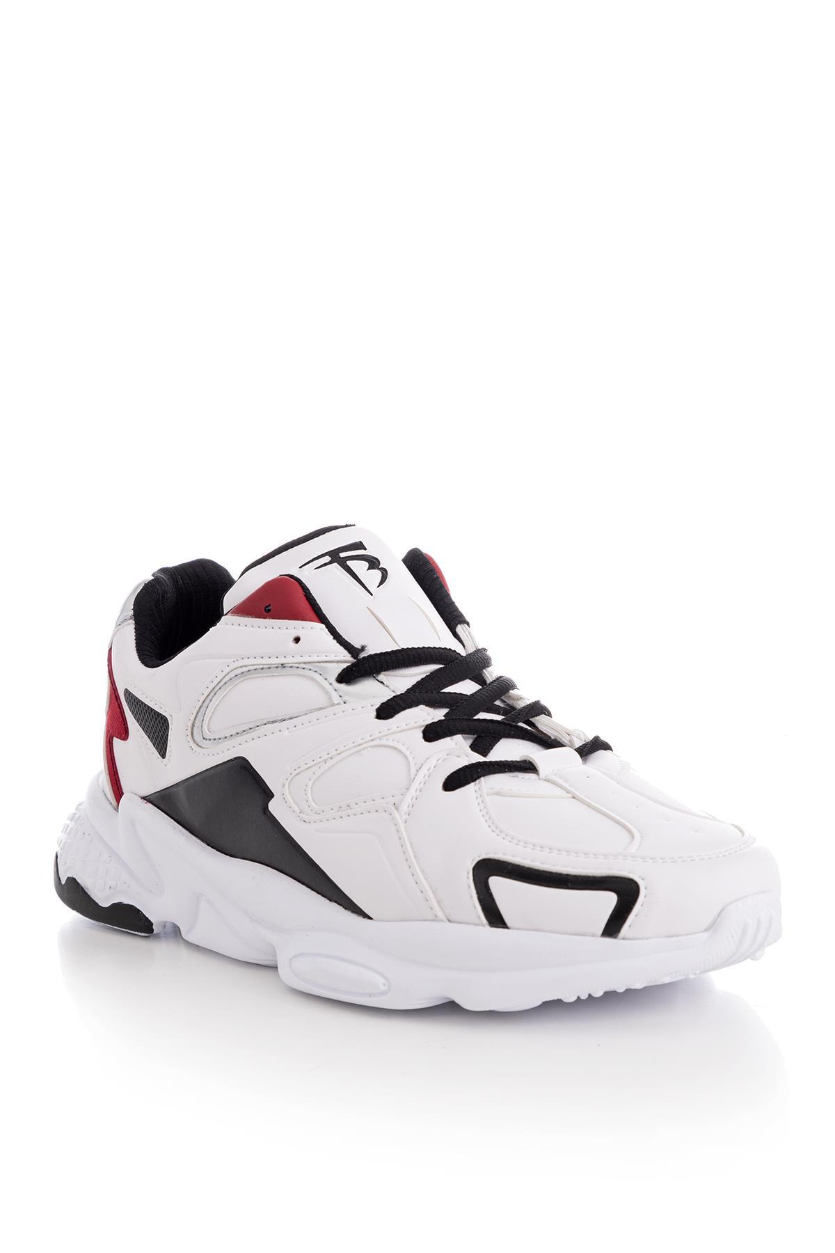 حذاء رياضي أبيض للجنسين