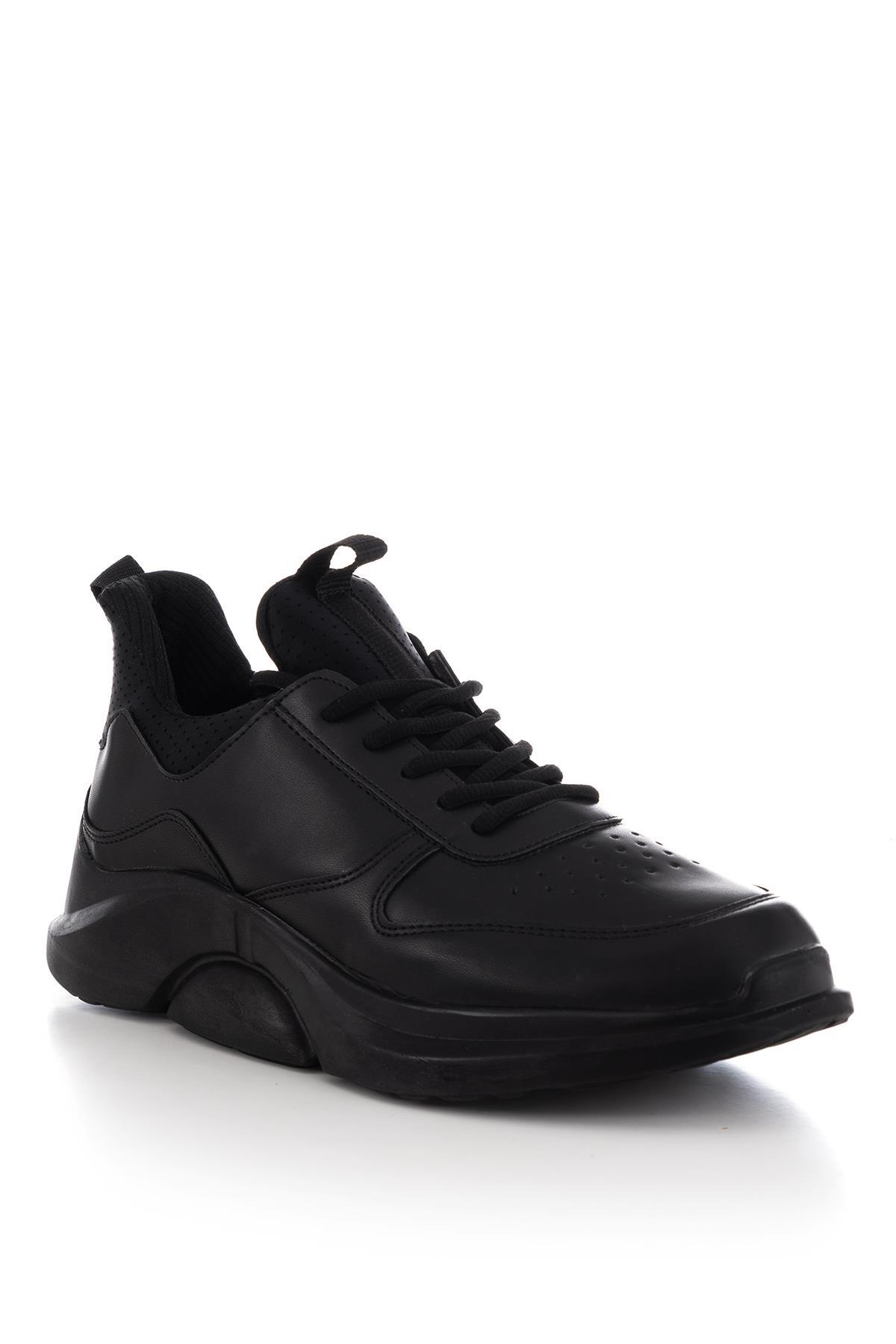حذاء رياضي أسود رجالي