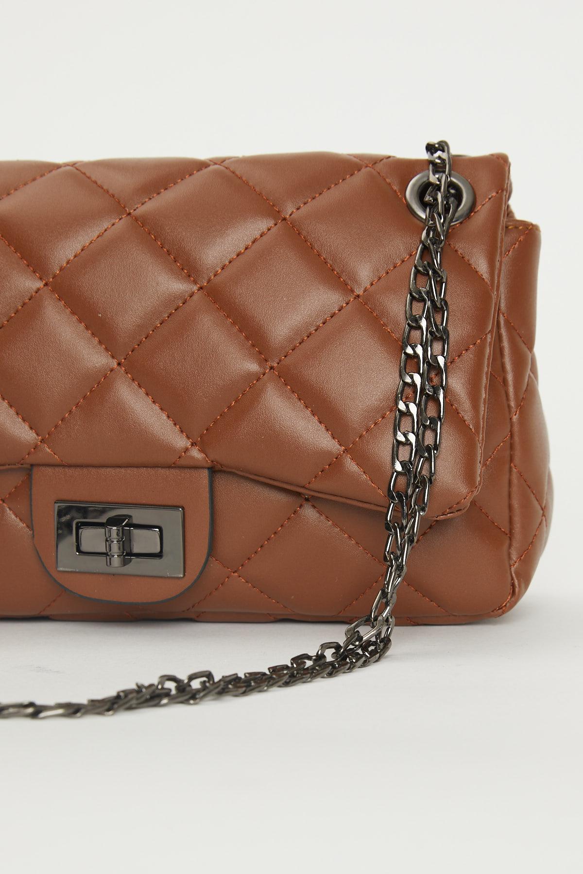 حقيبة كروس بودي مبطنة بني مفصلة بسلسلة نسائية
