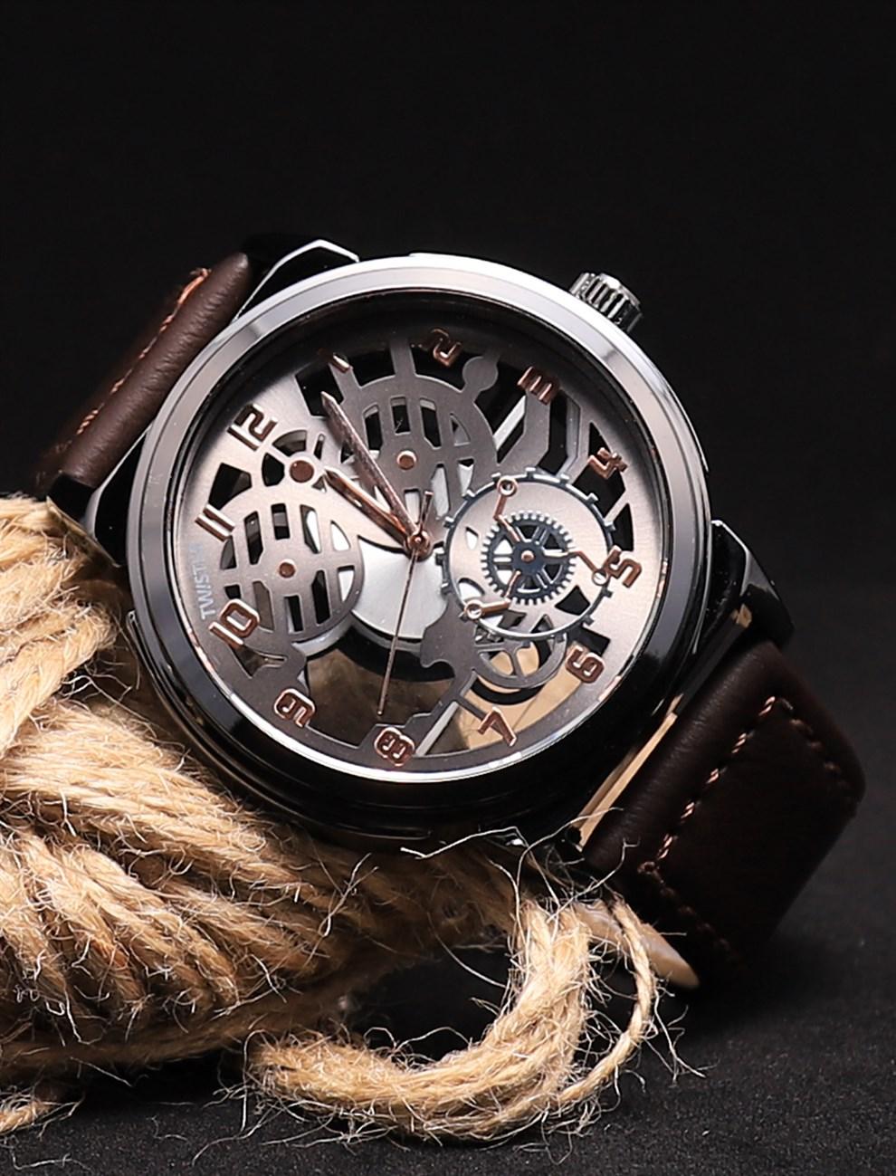 ساعة بإطار معدني دائري بسوار بني رجالي