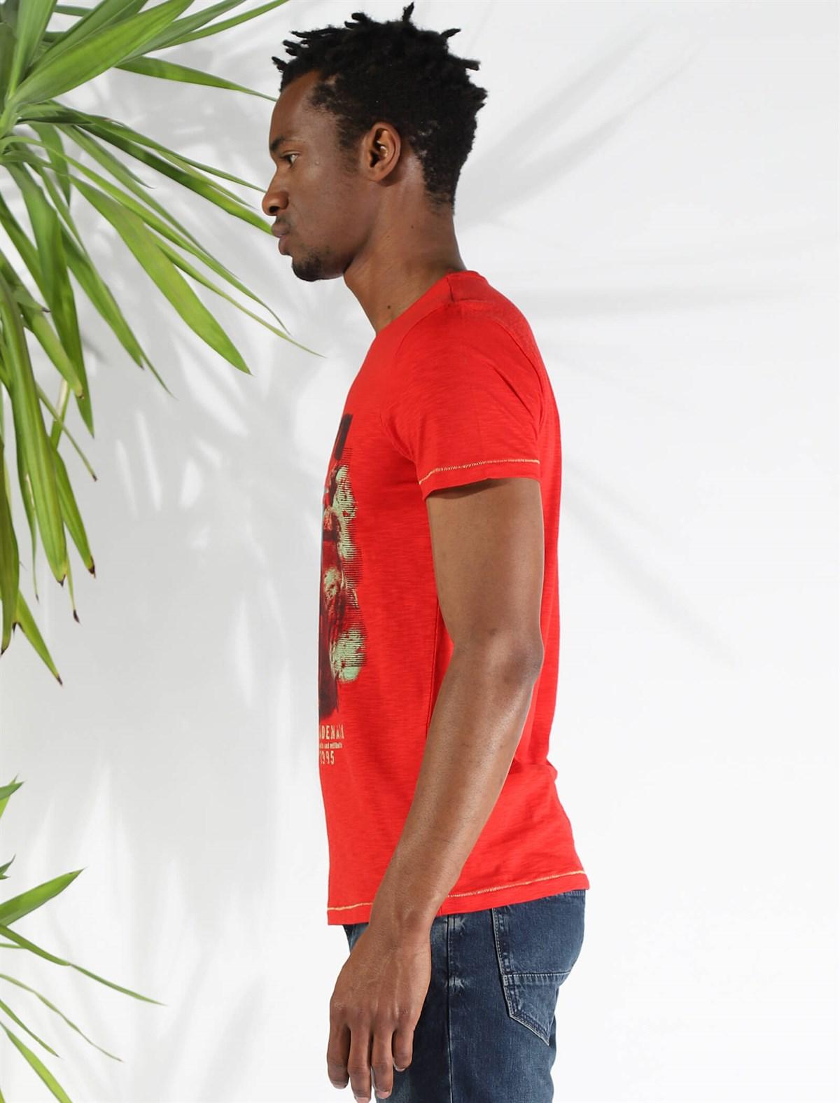Men's Printed Red T-shirt