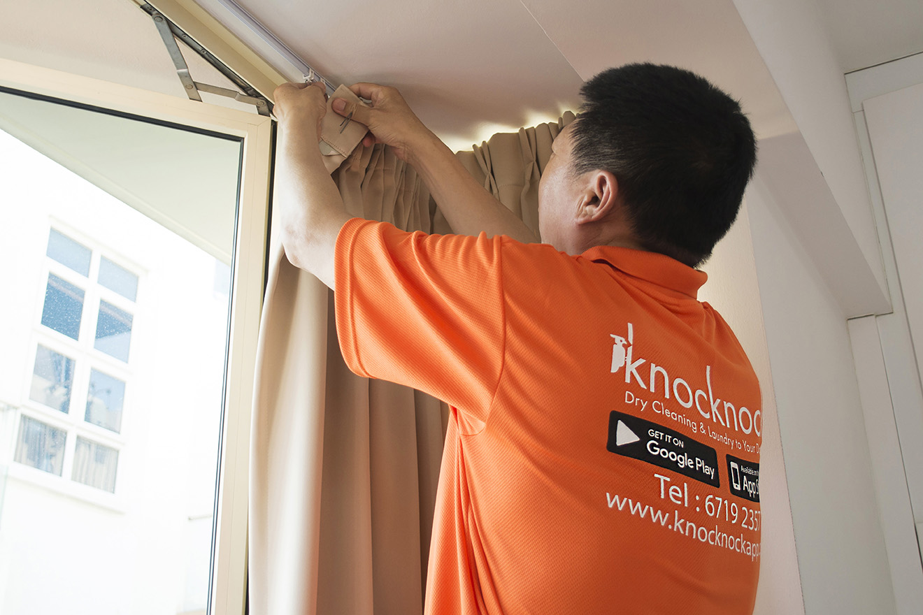 Blackout Curtain On-Site Curtain Cleaning Service (min. order $180 for pre-booking)