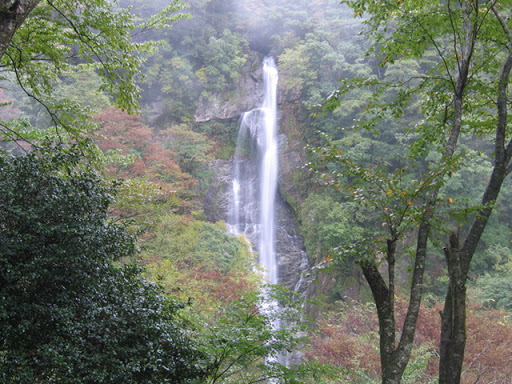 栴檀轟の滝