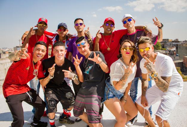 """DJ Bueno é o chefe da """"Gangue do consciente 2"""" com os MCs Menor MR, Nathan ZK, DR e outros"""