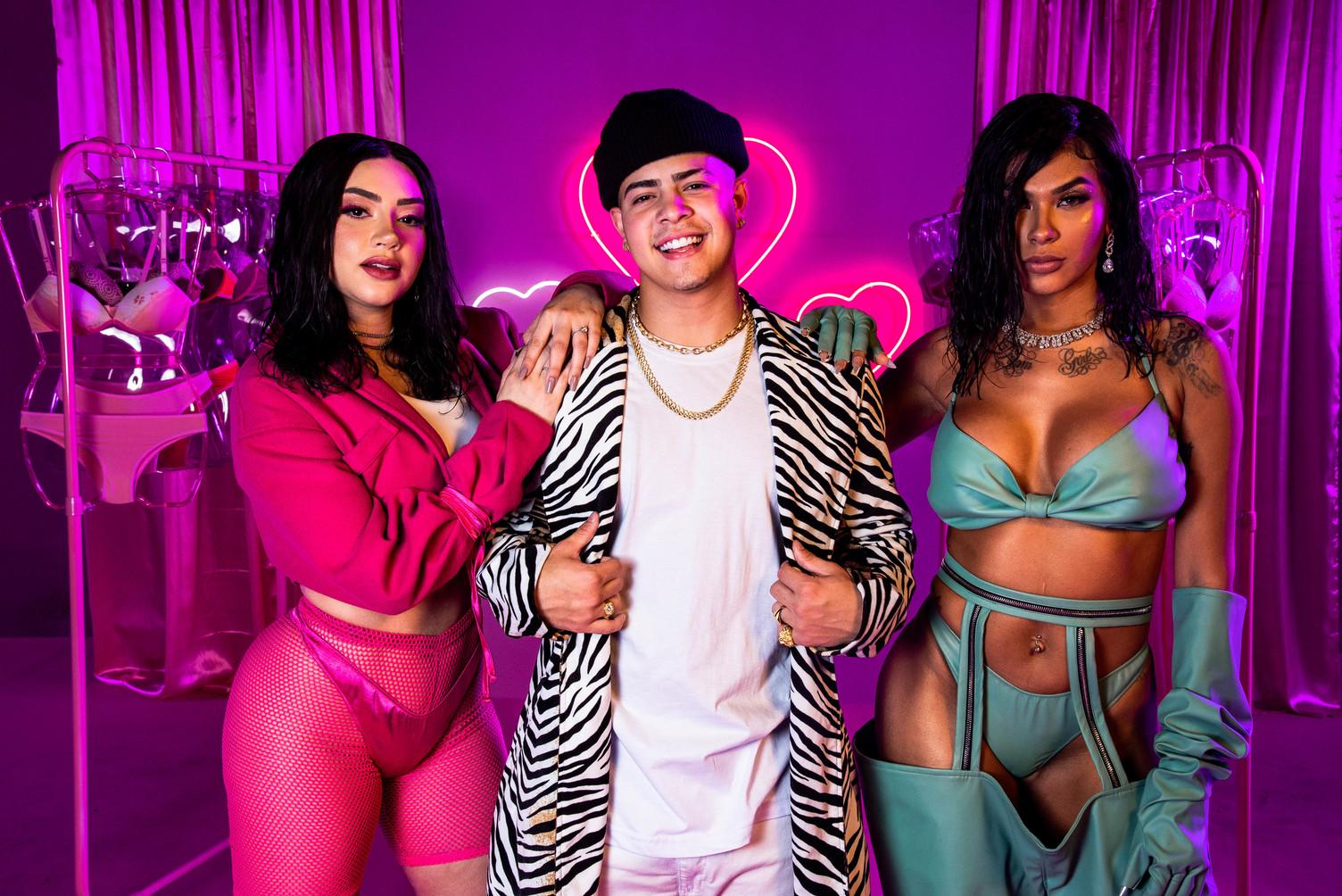 """Em parceria com o Spotify, MC Jottapê, Tainá Costa e Pocah lançam o videoclipe de """"Menage"""""""