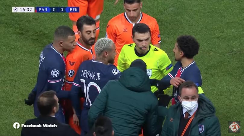 Jogadores do PSG e Istambul deixam gramado após situação de racismo durante jogo; partida é remarcada para a tarde desta quarta-feira