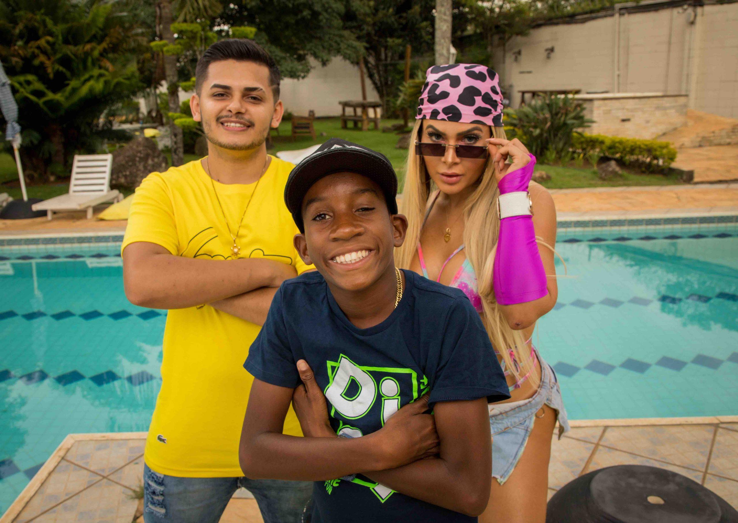 """Remix brega-funk de """"Amor ou Litrão"""", de Mila, Peter Ferraz e Menor Nico bate 1 milhão de views em seis horas"""