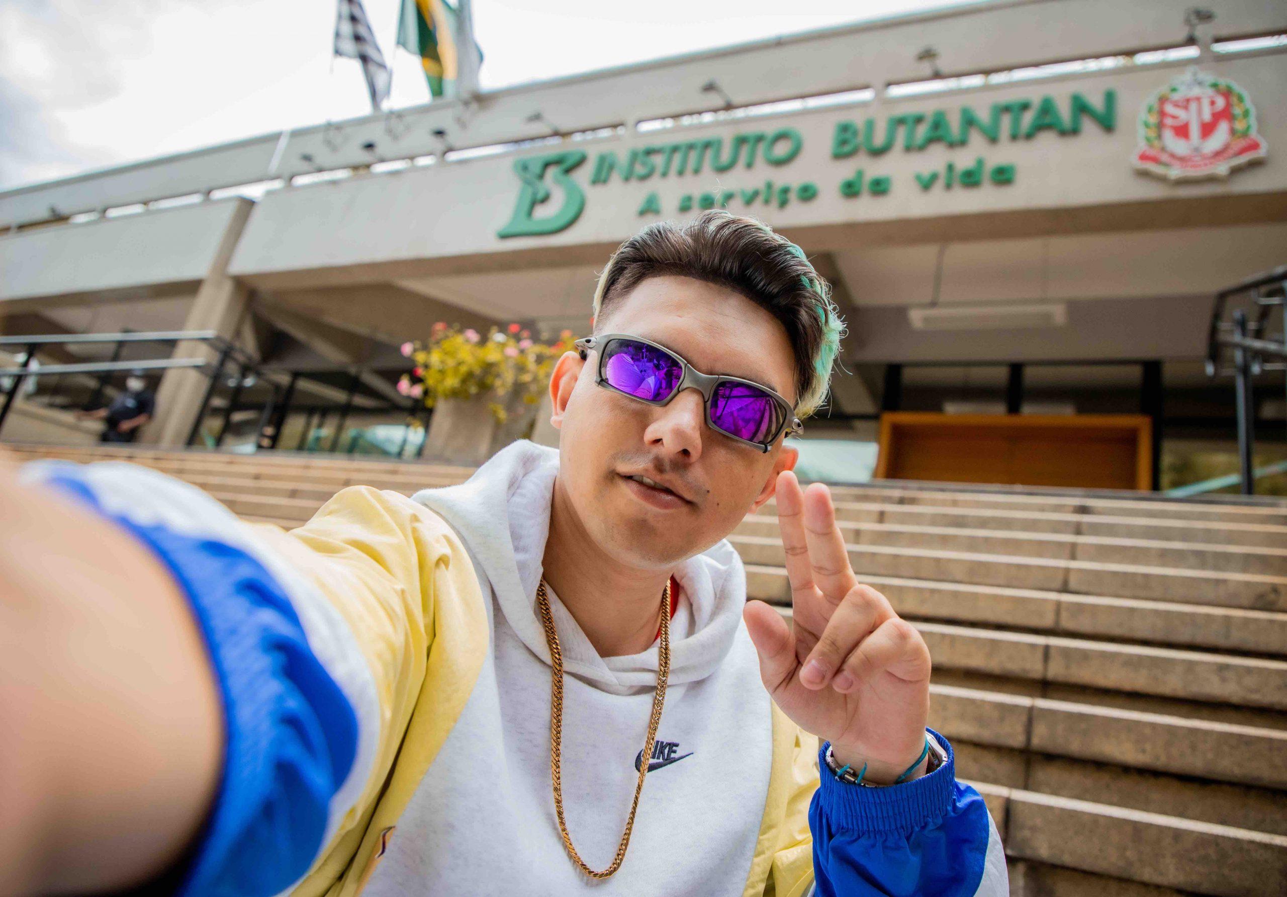 """MC Fioti lança o videoclipe de """"Remix Vacina Butantan"""""""
