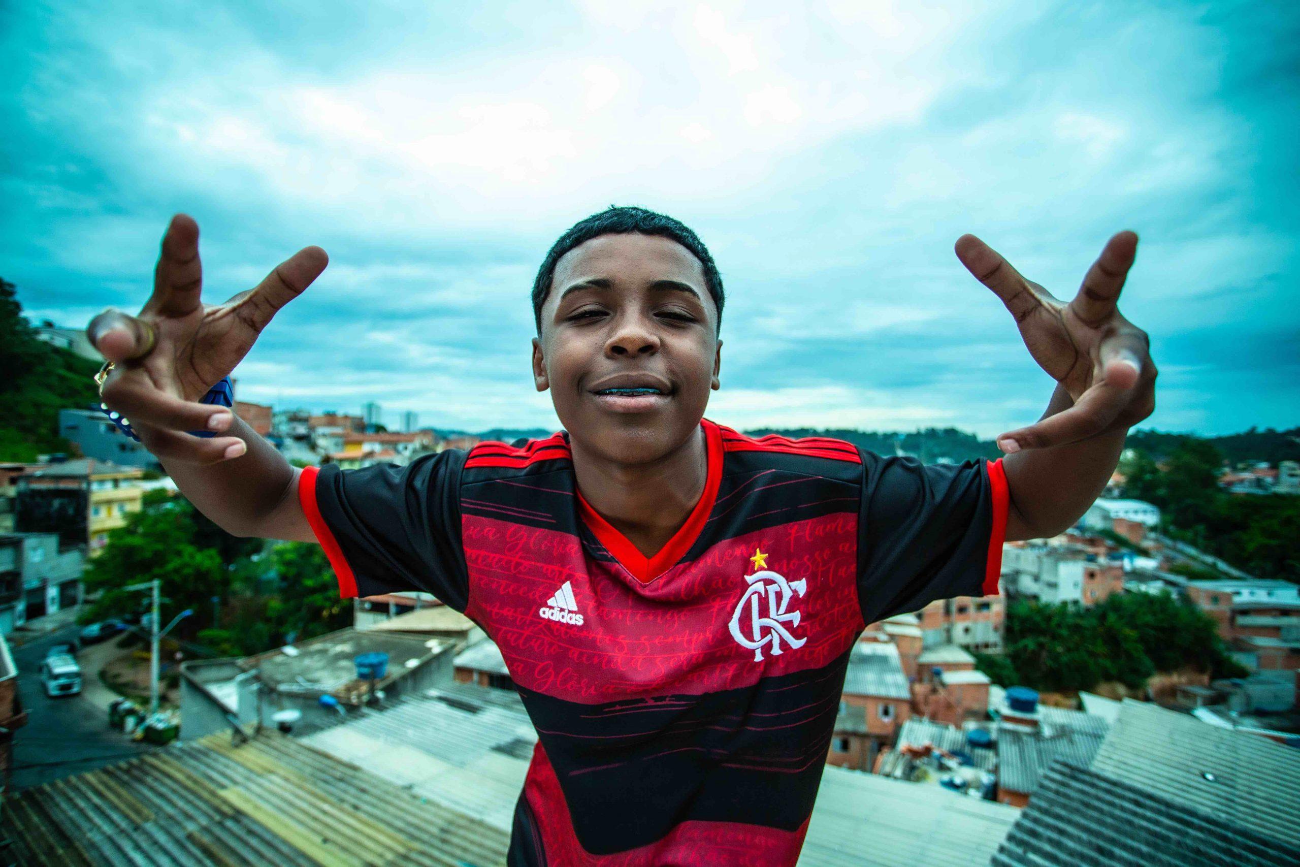 """""""Camisa do Flamengo"""": MC Meno K quer levar o funk do sul do país para o mundo"""