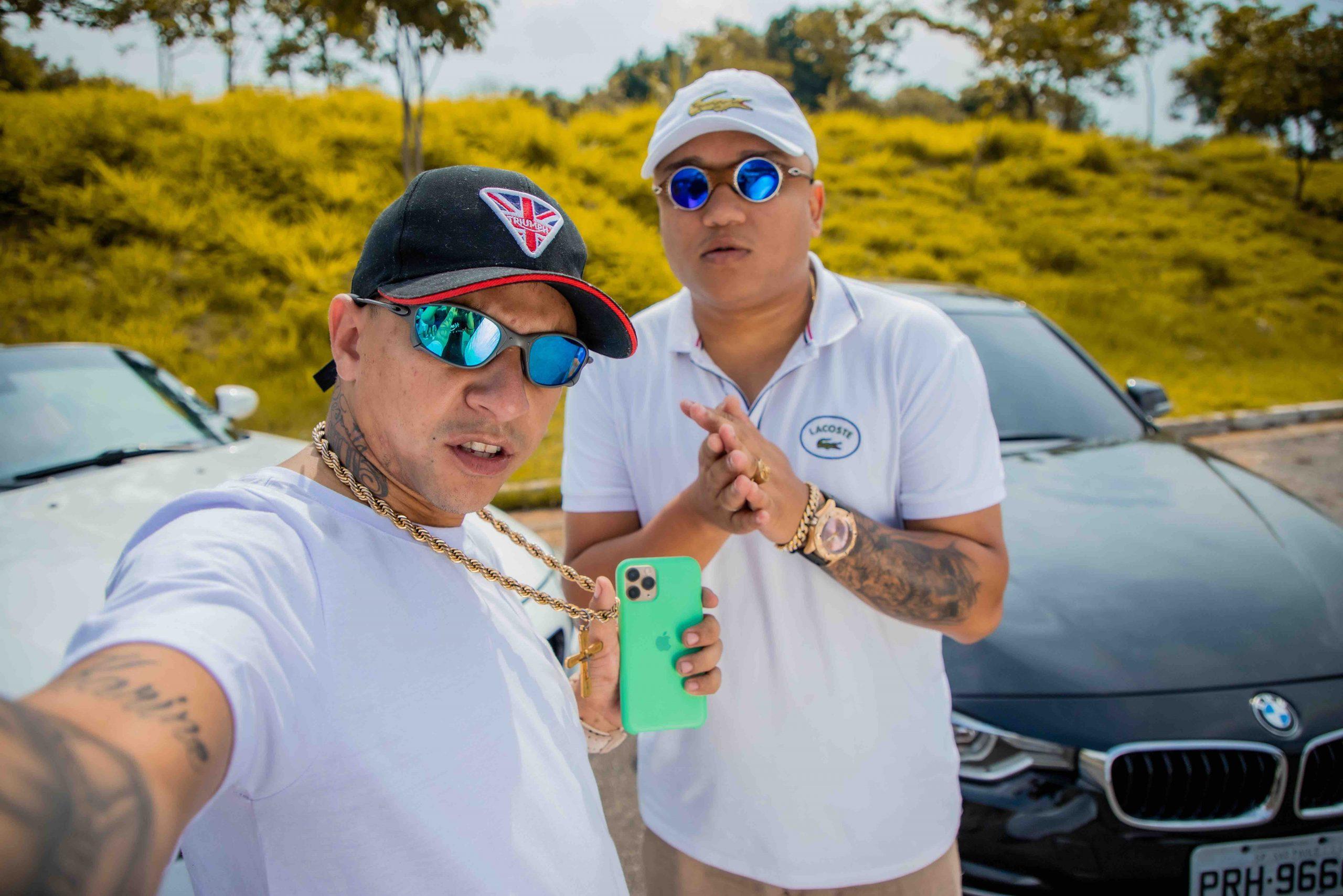 """MC Digo STC e MC Vinny chegam com """"Breck de Enquadro"""" para falar sobre realidade dos quebradas"""
