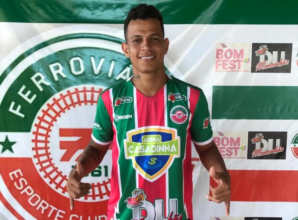 Dadá Boladão é apresentado ao Ferroviário e irá jogar na Série A2 do Campeonato Pernambucano