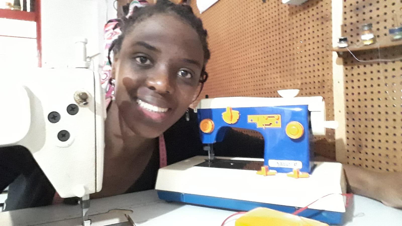 """""""Quero mostrar para as mulheres e homens negros da minha cidade natal que as coisas podem dar certo"""", conheça Bábi Batista"""